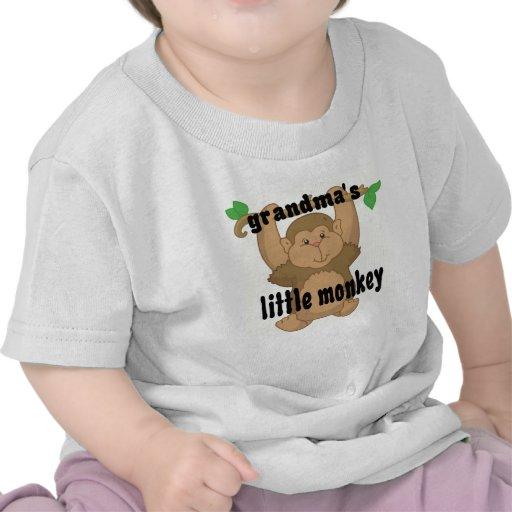 pequeño mono de las abuelas camiseta