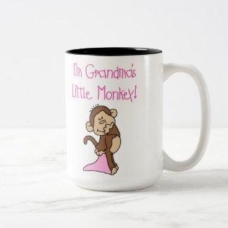 Pequeño mono de las abuelas rosadas tazas