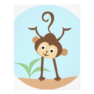 pequeño mono dulce tarjetón