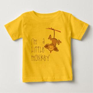 Pequeño mono playera de bebé
