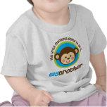 Pequeño mono que va a ser un hermano mayor camisetas