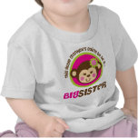 Pequeño mono que va a ser una hermana grande camiseta