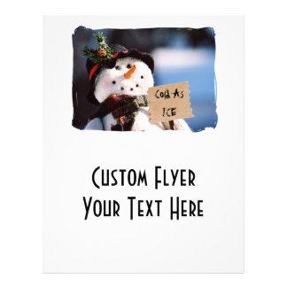 Pequeño muñeco de nieve con la muestra adaptable tarjetas informativas
