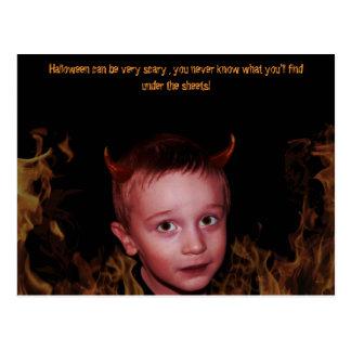 Pequeño niño del diablo tarjetas postales