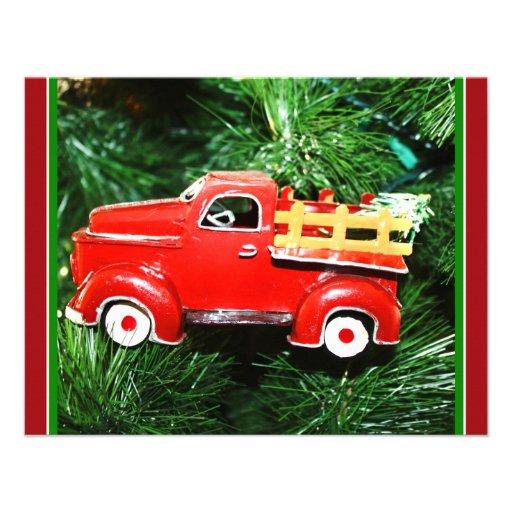 Pequeño ornamento rojo del camión de recogida del