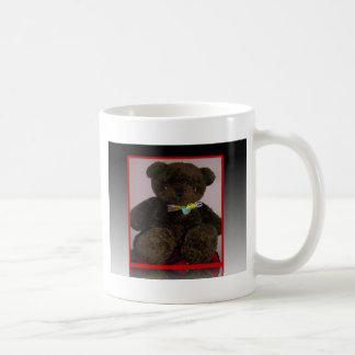 Pequeño oso de peluche de Brown Taza Clásica