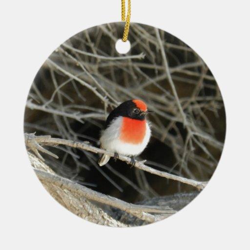 pequeño pájaro del redbreast del petirrojo que se adorno redondo de cerámica