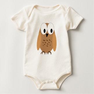 pequeño pájaro marrón mameluco de bebé
