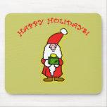 Pequeño Papá Noel lindo en la ropa y los regalos Tapetes De Ratón