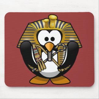 Pequeño pingüino animado lindo del pharaoh tapete de raton