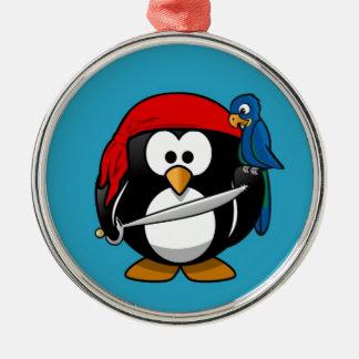 Pequeño pingüino animado lindo del pirata adorno redondo plateado