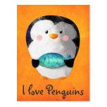 Pequeño pingüino lindo postal