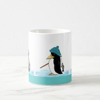 pequeño pingüino… taza clásica