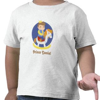 Pequeño príncipe lindo en caballo mecedora, para l camiseta