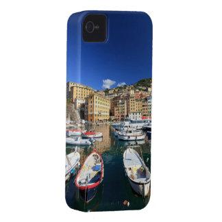 pequeño puerto en Camogli Case-Mate iPhone 4 Protectores