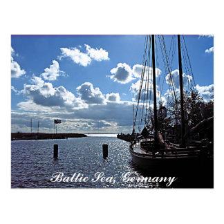 Pequeño-puerto, postal del mar Báltico, Alemania