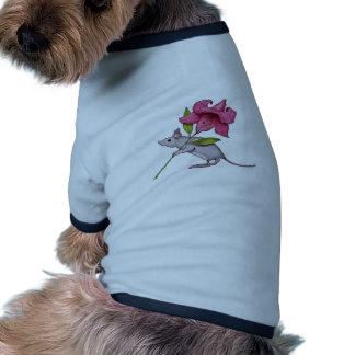 Pequeño ratón con la flor grande: Lirio, arte Camisas De Mascota