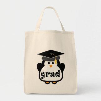 Pequeño regalo de la graduación del pingüino del bolsa tela para la compra