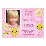 Pequeño rosa amarillo de la invitación del cumplea