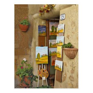 Pequeño shope con las ilustraciones para la venta  tarjetas postales