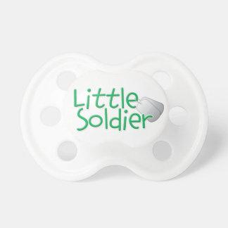 Pequeño soldado chupetes