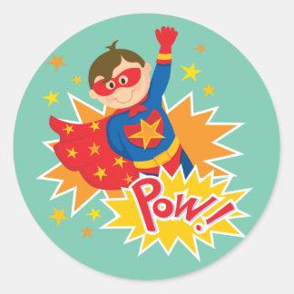 Pequeño super héroe pegatina redonda