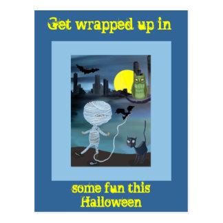 Pequeño truco o invitación de Halloween de la Postales
