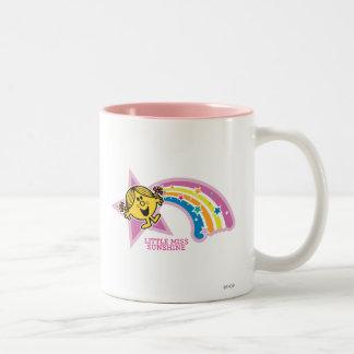Pequeños arco iris y estrellas de Srta. Sunshine Taza De Café De Dos Colores
