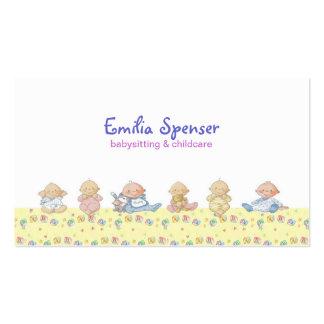 Pequeños bebés lindos que cuid losan nin¢os y tar tarjetas de visita