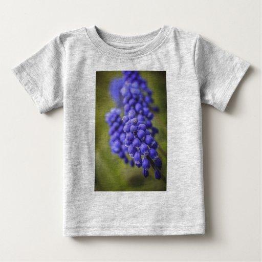 Pequeños brotes azules t shirt