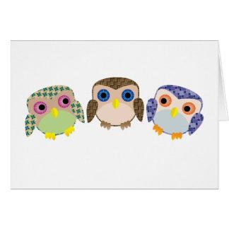 Pequeños búhos tarjeta pequeña