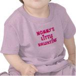 Pequeños camisetas y regalos de la tarjeta del día