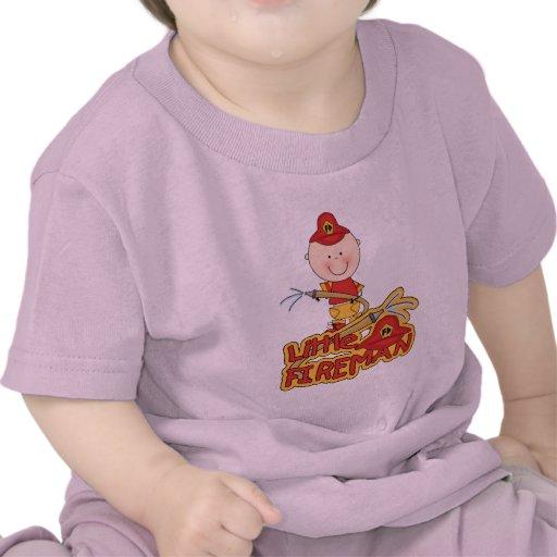 Pequeños camisetas y regalos del bombero