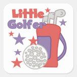Pequeños camisetas y regalos del golfista colcomanias cuadradas personalizadas