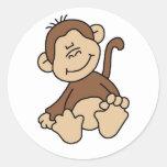 Pequeños camisetas y regalos del mono de Brown Pegatina Redonda