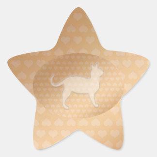 Pequeños corazones minúsculos y gato blanco de pegatina en forma de estrella