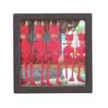 Pequeños diablos mexicanos rojos alegres que están cajas de recuerdo de calidad