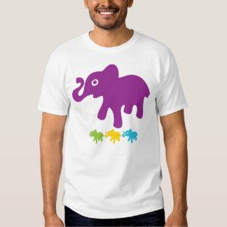 Pequeños elefantes retros remera
