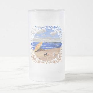 Pequeños juegos del escocés en la playa taza de café