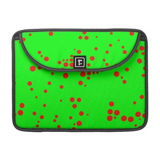 Pequeños lunares al azar verdes y rojos de neón funda macbook pro