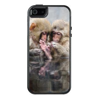 Pequeños monos en las aguas termales, Japón Funda Otterbox Para iPhone 5/5s/SE
