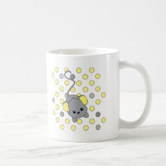 Pequeños oídos amarillos taza de café