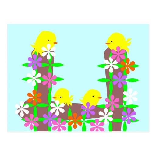 Pequeños pájaros amarillos encaramados en una cerc tarjetas postales