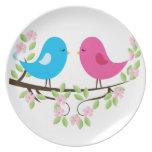 Pequeños pájaros en rama floral plato de cena