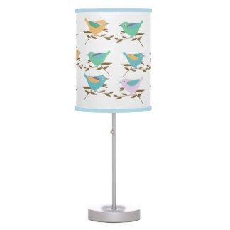 Pequeños pájaros lámpara de mesa