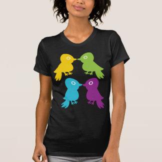 Pequeños pájaros retros camisetas