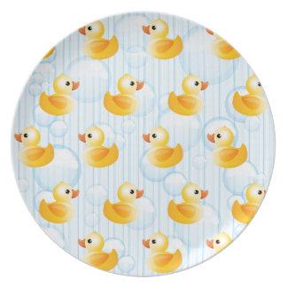 Pequeños patos amarillos plato para fiesta