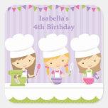Pequeños pegatinas de la fiesta de cumpleaños de pegatinas cuadradases
