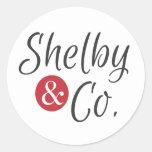 Pequeños pegatinas redondos de Shelby y del Co. Pegatina Redonda