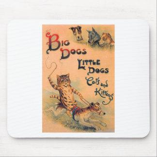Pequeños perros de los perros grandes mouse pads